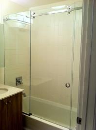 bypass_sliding_shower_doors14